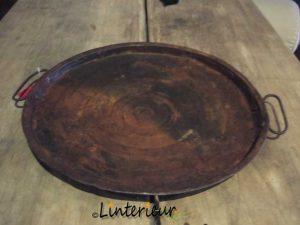 Oud ijzeren tray